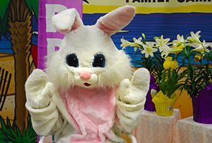 photo of the Easter Bunny at Ocean Lakes